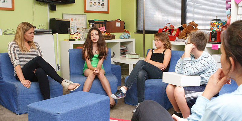 grief support volunteer group leader for children and teens