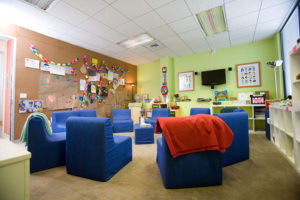 kids grief support meeting room image