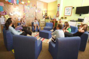 kids meeting photo